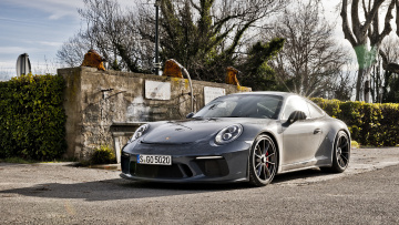 обоя porsche 911 gt3 with touring package 2018, автомобили, porsche, gt3, 911, 2018, touring, package, with