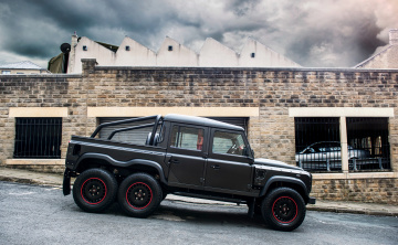 обоя kahn design flying huntsman 6x6 land-rover defender 2017, автомобили, land-rover, 2017, defender, huntsman, 6x6, flying, design, kahn