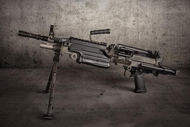 Обои картинки фото оружие, пулемёты, ручной, пулемёт, фон, m249, saw