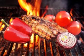 обоя еда, шашлык,  барбекю, огонь, мясо, перец, помидоры