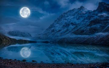 обоя космос, луна, облака, горы, ночь