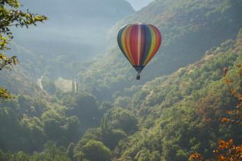 обоя авиация, воздушные шары, франция, france, аэростат, rocamadour, монгольфьер, воздушный, шар, горы, полёт, панорама, долина, рокамадур