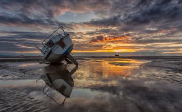 Картинка корабли Яхты закат отлив яхта