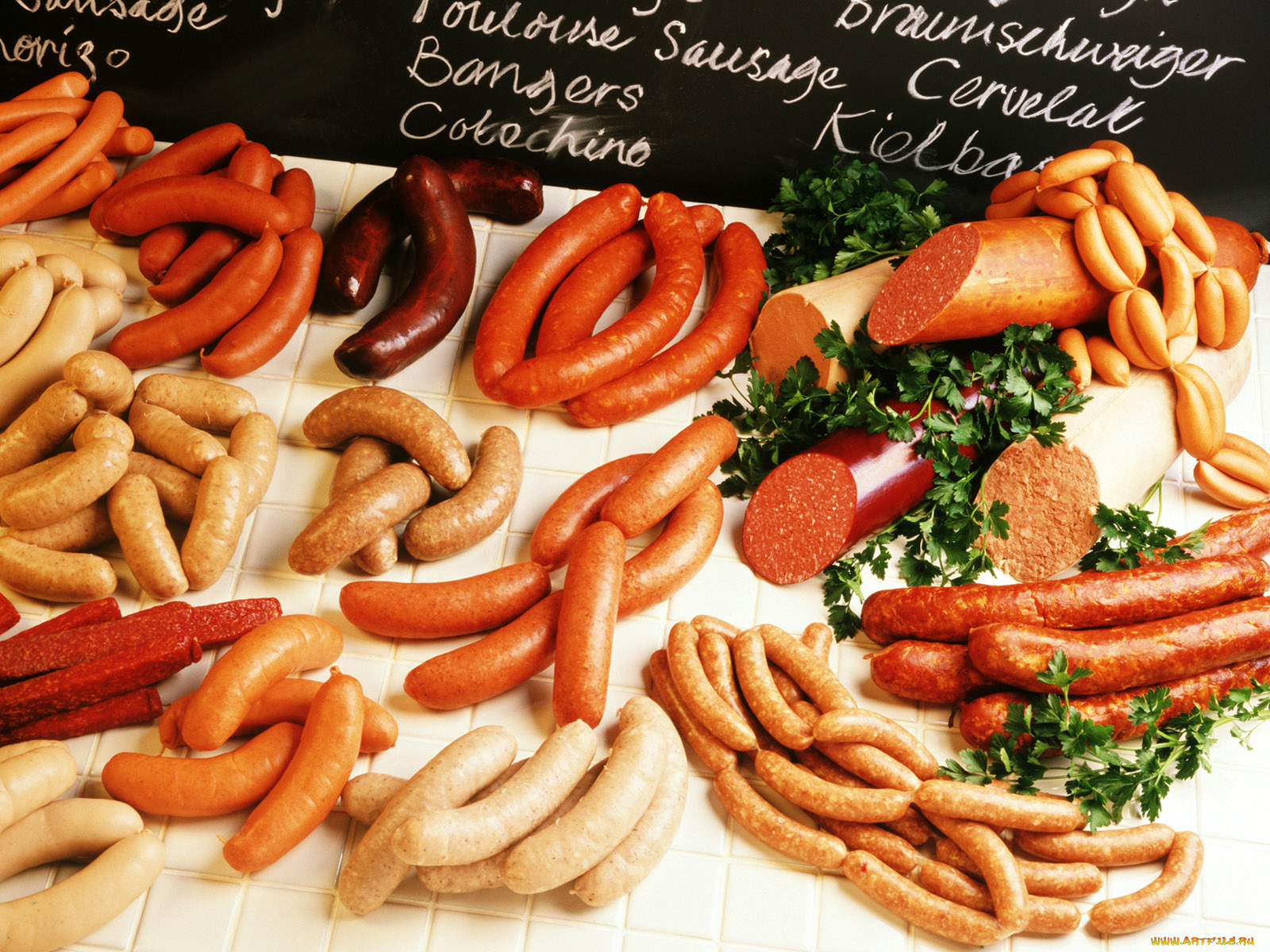 еда колбаса сосиски мясо салат  № 2121909 бесплатно