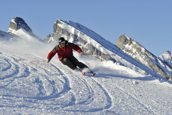 Картинка спорт лыжный спуск снег