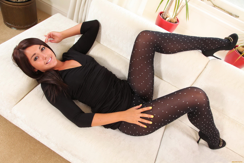 devushki-v-legginsah-i-chulkah-krasiviy-seks-i-erotika-foto