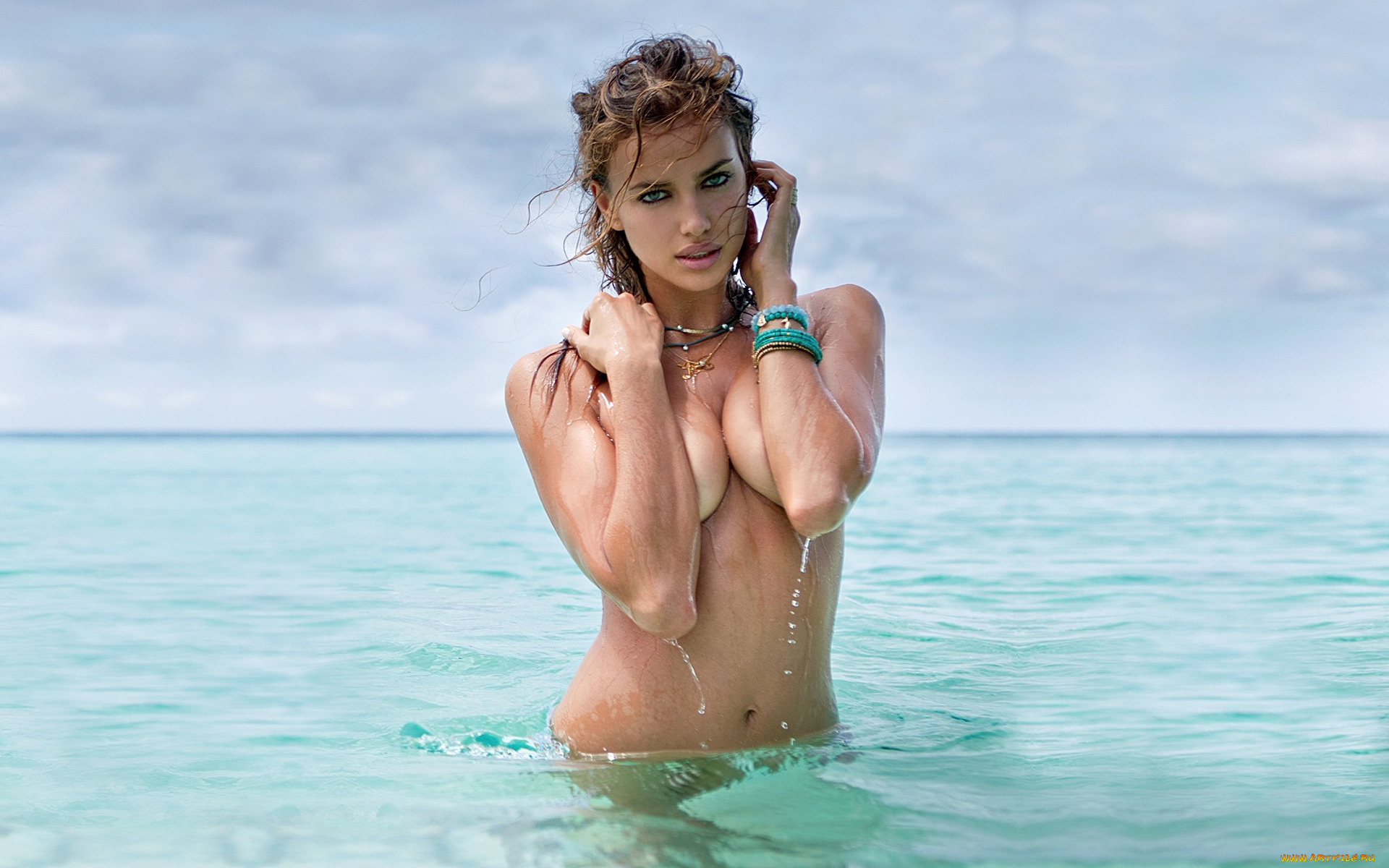 Sexy girls in water pic — 13