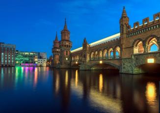 обоя города, берлин , германия, вечер, башни, мост, река