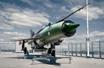 обоя mig-21bis, авиация, памятники авиационных изделий, истребитель
