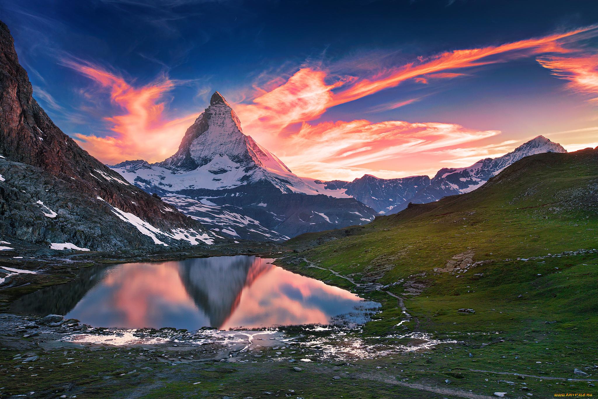 горы на рассвете загрузить