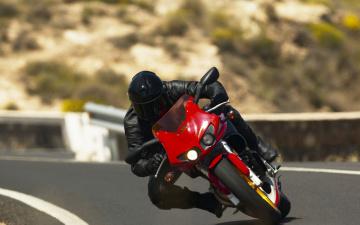 Картинка мотоциклы buell скорость мотоциклист
