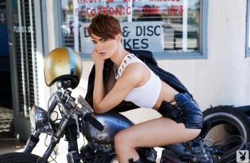 Картинка мотоциклы мото+с+девушкой britt linn