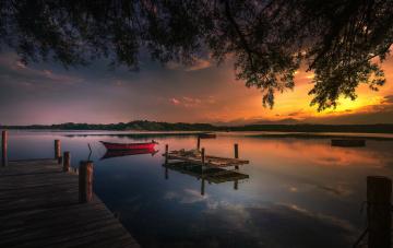 Картинка корабли моторные+лодки река лес