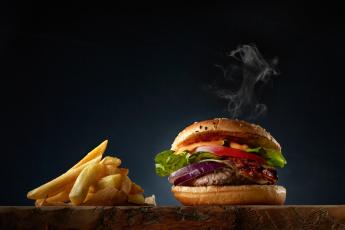 обоя еда, бутерброды,  гамбургеры,  канапе, мясо, картофель, фри, салат, бургер