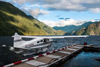 обоя air nootka, авиация, самолёты амфибии, горы, озеро, пристань, самолет