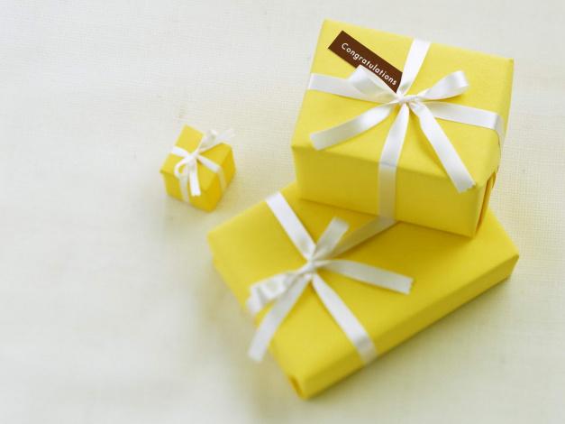 Праздничные коробочки для подарков
