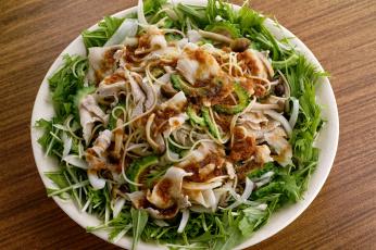Картинка еда вторые+блюда лапша грибы мясо зелень