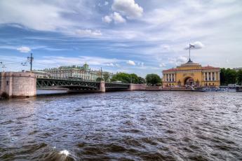 обоя с-петербург, города, санкт-петербург,  петергоф , россия, река, мост, здания, флаг, машины, облака