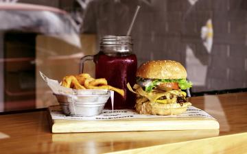 обоя еда, бутерброды,  гамбургеры,  канапе, гамбургер, фри, картофель, напиток