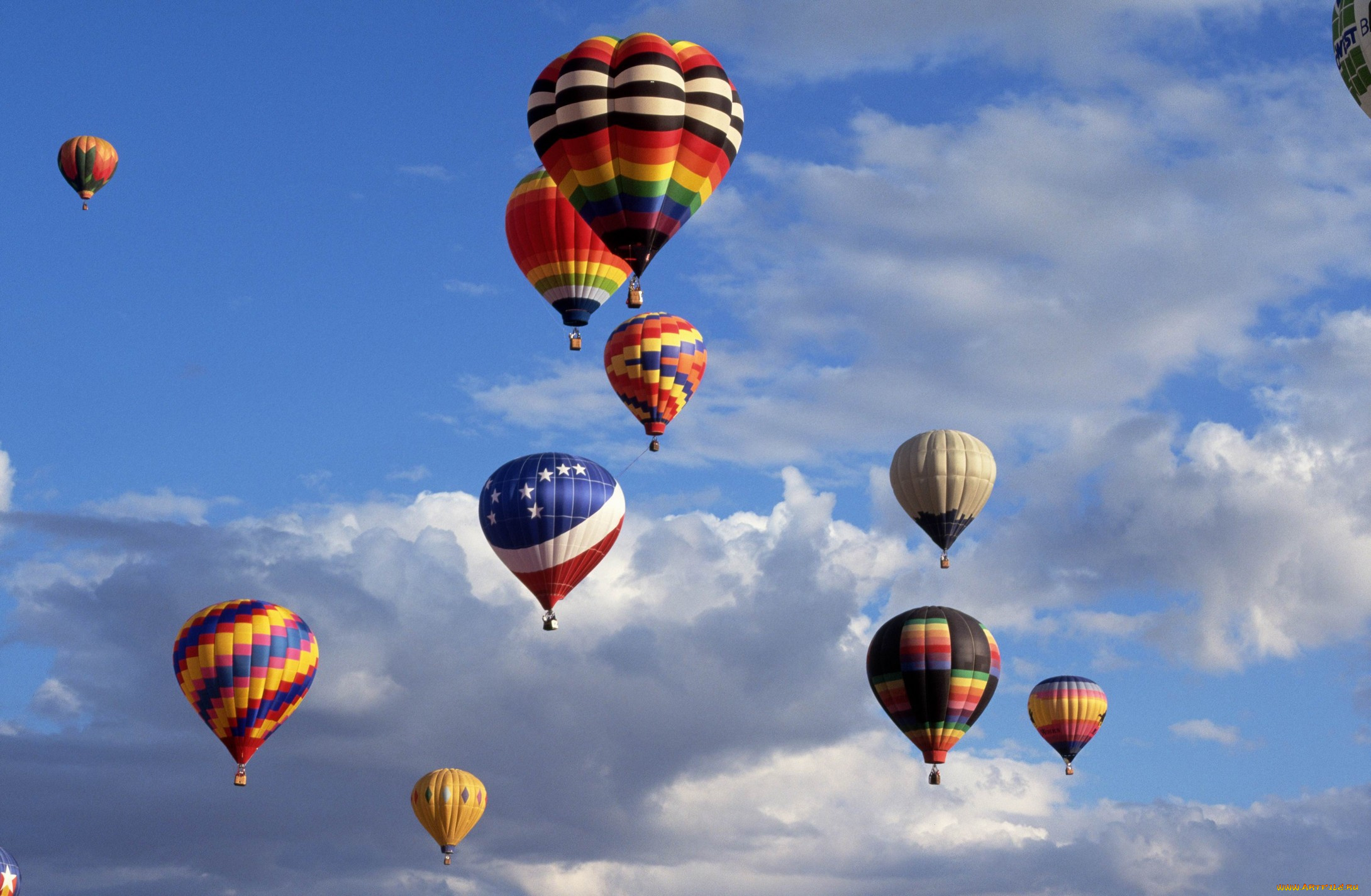 Обои воздушные шары, Облака, аэростаты, Монгольфьеры. Авиация foto 15