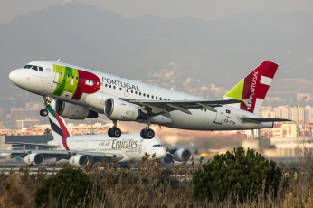 обоя airbus a319, авиация, пассажирские самолёты, авиалайнер