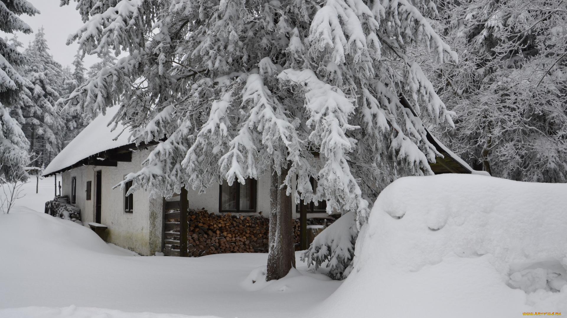 появился картинки рабочего стола дом зимой бывает