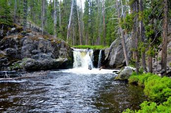 Картинка природа водопады кремовый река вода берег