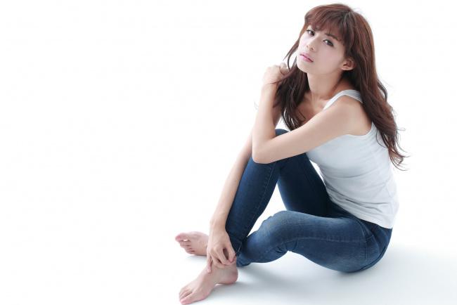 азиатки в джинсах фото