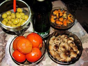 обоя еда, разное, пиво, помидоры, грибы, опята, мидии, оливки