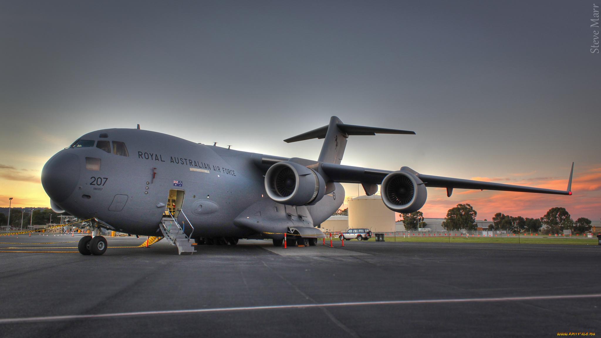 Военно-транспортный самолет анонимно