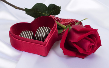 обоя праздничные, день святого валентина,  сердечки,  любовь, роза, коробочка, красная, сердечко, конфеты