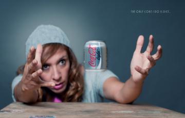 Картинка coca cola light бренды coca-cola кока-кола жажда девушка руки