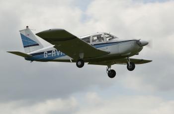 обоя piper cherokee pa28, авиация, лёгкие одномоторные самолёты, аэроплан