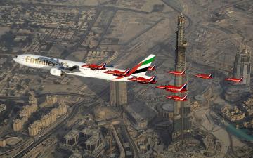 Картинка boeing 777 авиация разные вместе штурмовики лайнер полет сопровождение