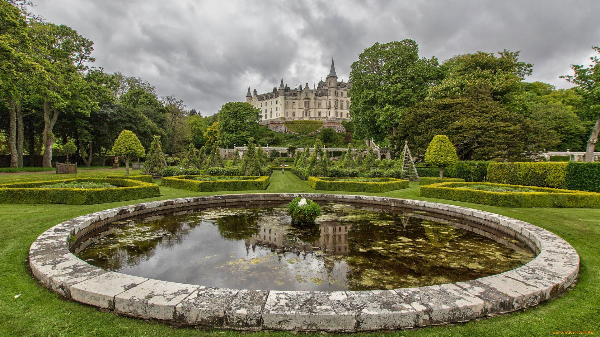 dunrobin black personals Events & tours go to top ↑  also a stop is planned at the majestic dunrobin castle, dating back to the 1300sthere will be breathtaking views along the windswept cliffs of scotland's east coast, and you'll have an overnight stay in the eastern highlands sunday, sept 23 continues the visit to the eastern highlands, including a stop.