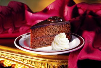 Картинка еда пирожные кексы печенье тарелка сливки пирожное