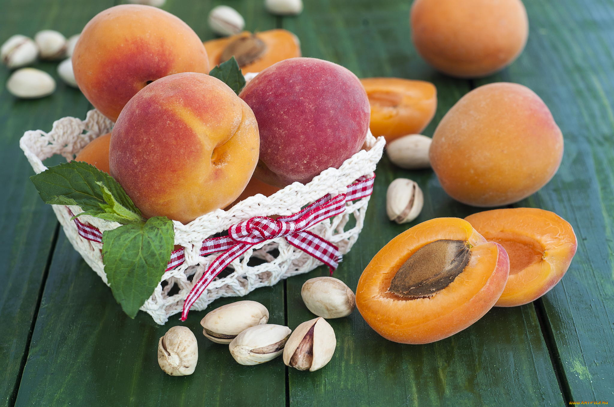 Открытки персики