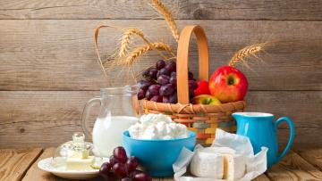 обоя еда, разное, колосья, яблоки, корзинка, виноград, сыр, творог, масло, молоко
