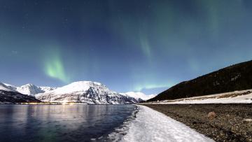 обоя природа, северное сияние, северное, сияние, в, небе, над, заснеженными, горами