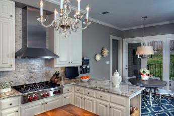Картинка интерьер кухня плита стол ваза люстра