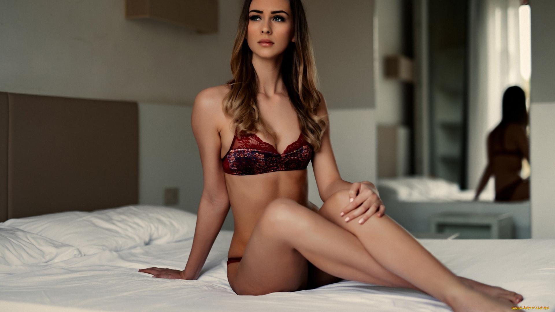 красивые девушки фото в нижнем шатенки мастурбация взрослых