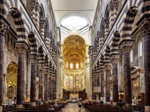 обоя интерьер, убранство,  роспись храма, скамья, алтарь, арка, италия, колонна, генуя, неф, кафедральный, собор, сан-лоренцо