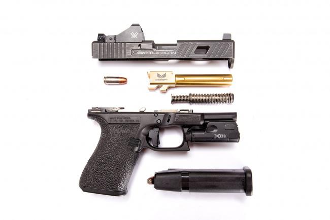Обои картинки фото оружие, пистолеты, glock, пистолет, детали, разобранный