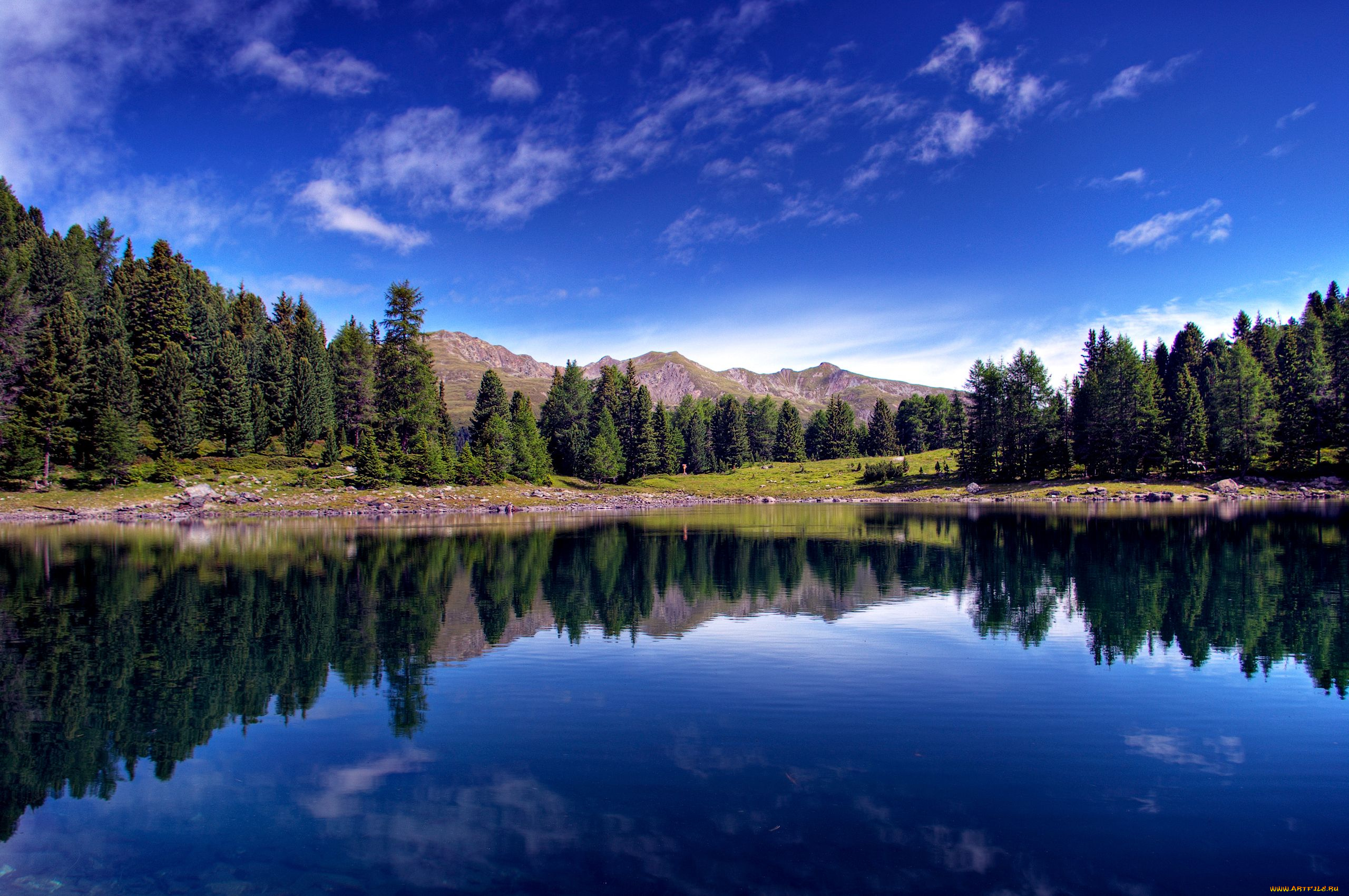 Озеро, гора, зеленый лес  № 621668 без смс
