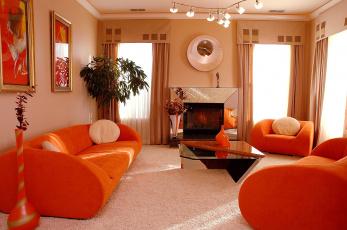 Картинка интерьер гостиная диван кресла вазон камин