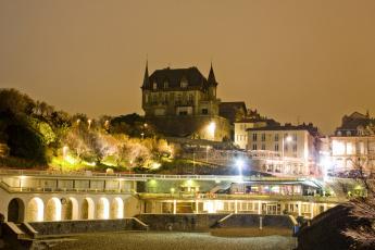 обоя франция, города, - огни ночного города, деревья, фонари, здания