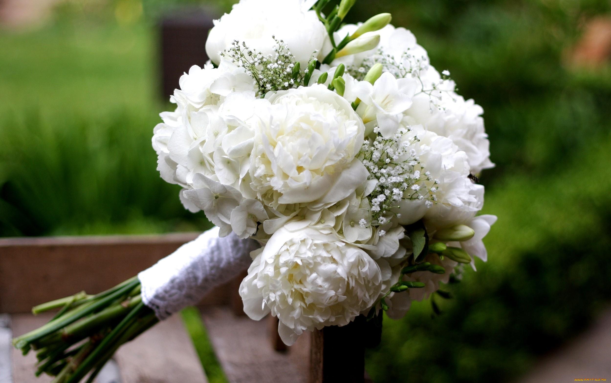 Свадебные букеты из гортензий и пионов, гомеле