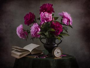 обоя цветы, пионы, аромат, пионов, чтение, стол, скатерть, светлана, андреянова, натюрморт, книги, винтаж, букет
