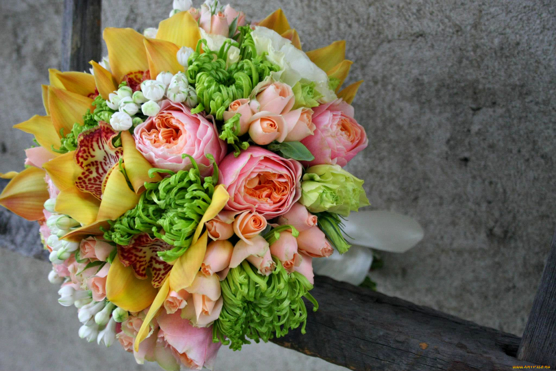 Flower Delivery Online India's No.1 Florist - Ferns N Petals Pictures of bouquet of fresh flowers