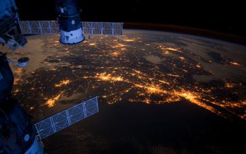 Картинка космос космические корабли станции мкс союз прогресс северная америка океан атлантика